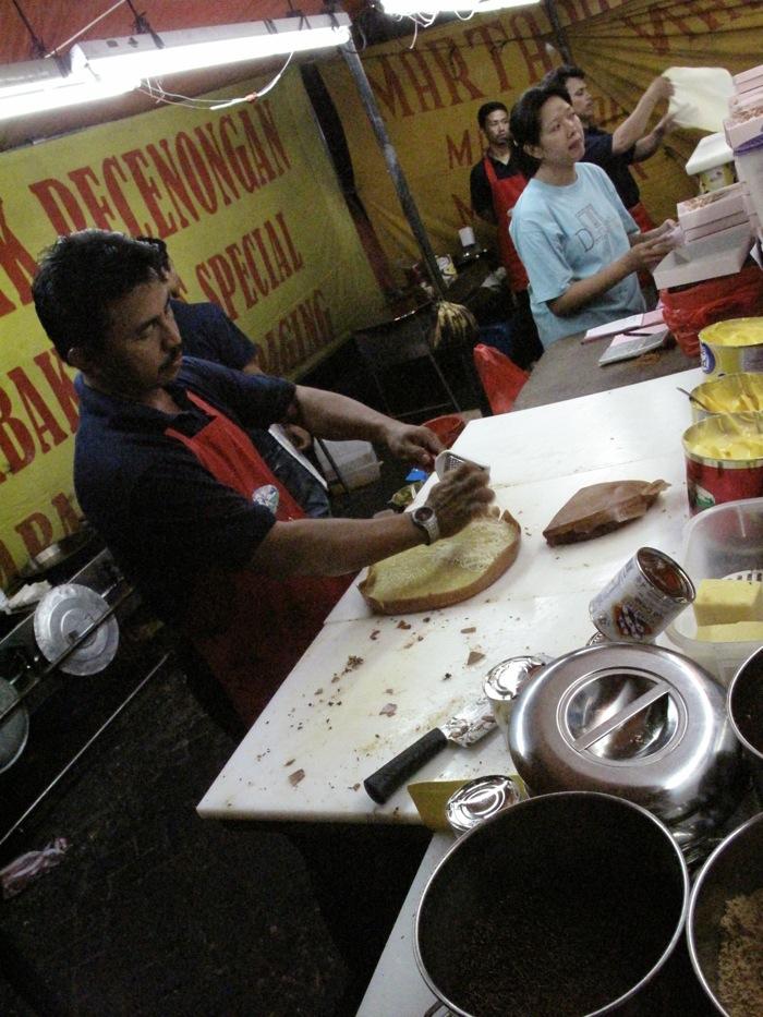 AsiaWheeling eats Murtabak